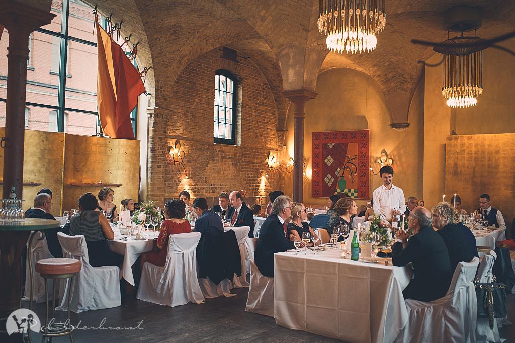 DSC03524-Hochzeitsfotograf-Hochzeitslocation-Restaurant-Basil-bilderbraut-Hannover