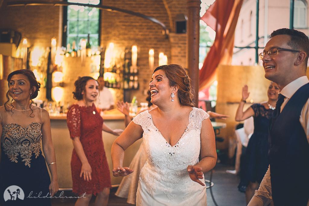 DSC03801-Hochzeitsfotograf-Hochzeitslocation-Restaurant-Basil-bilderbraut-Hannover