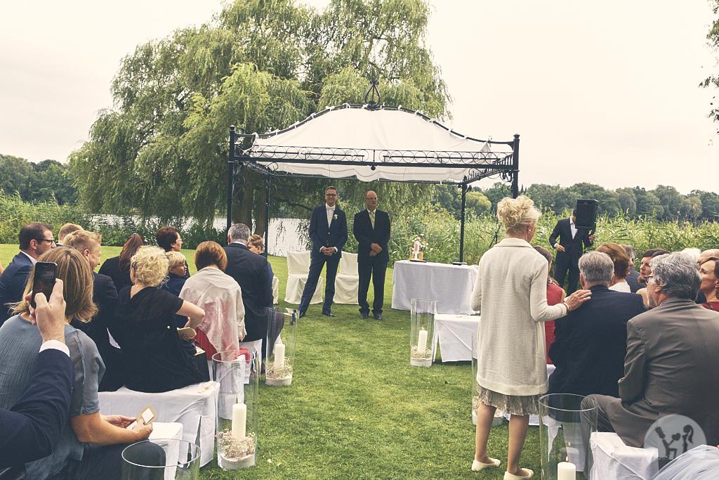 SG9A0364-Landhaus-am-see-Garbsen-Hochzeitsfotograf