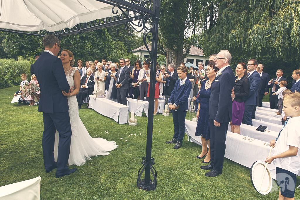 SG9A0409-Landhaus-am-see-Garbsen-Hochzeitsfotograf