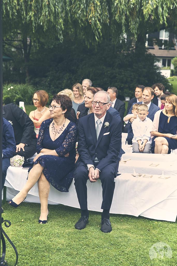 SG9A0515-Landhaus-am-see-Garbsen-Hochzeitsfotograf