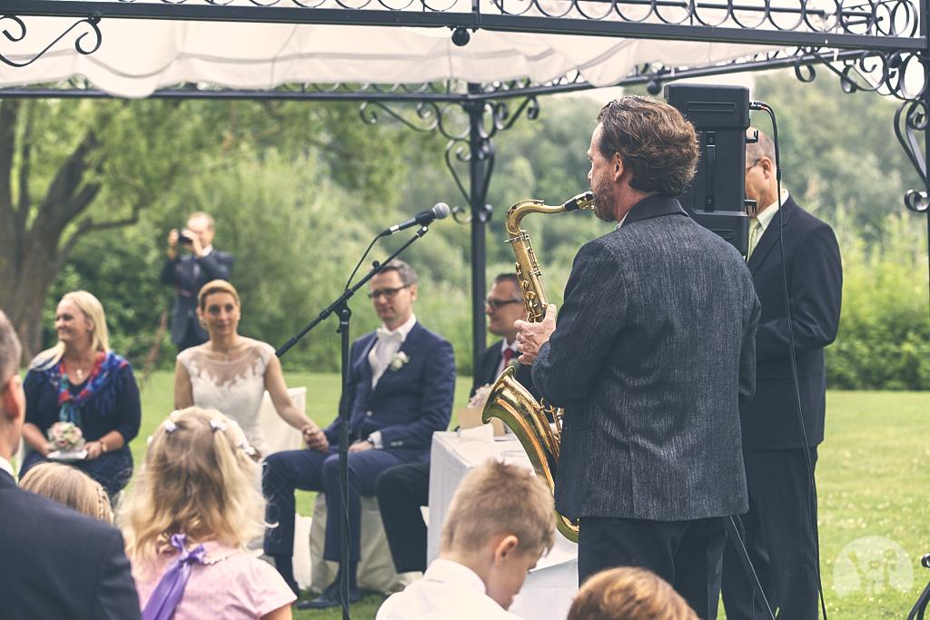 SG9A0572-Landhaus-am-see-Garbsen-Hochzeitsfotograf
