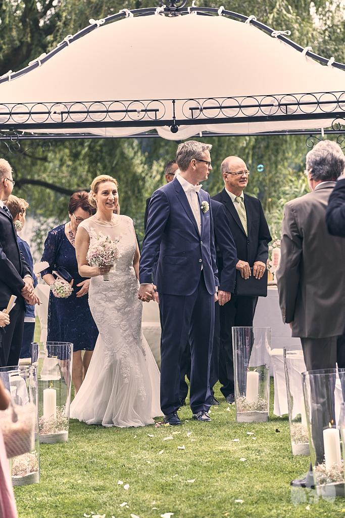 SG9A0586-Landhaus-am-see-Garbsen-Hochzeitsfotograf