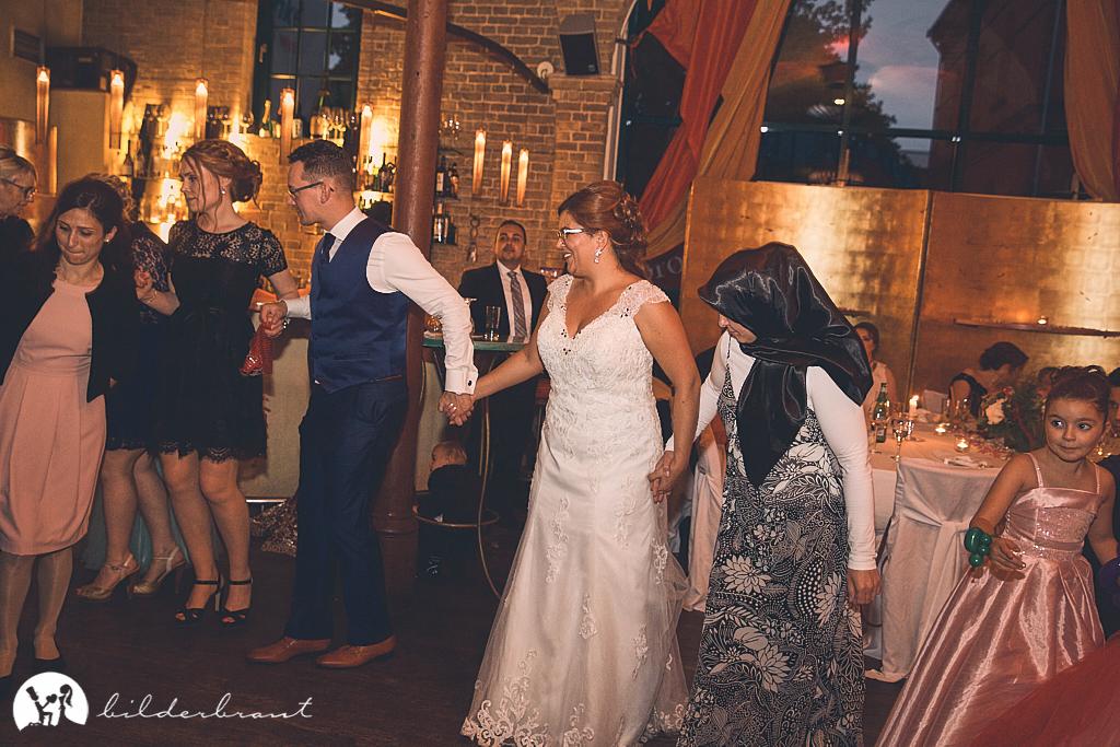 SG9A0705-Hochzeitsfotograf-Hochzeitslocation-Restaurant-Basil-bilderbraut-Hannover