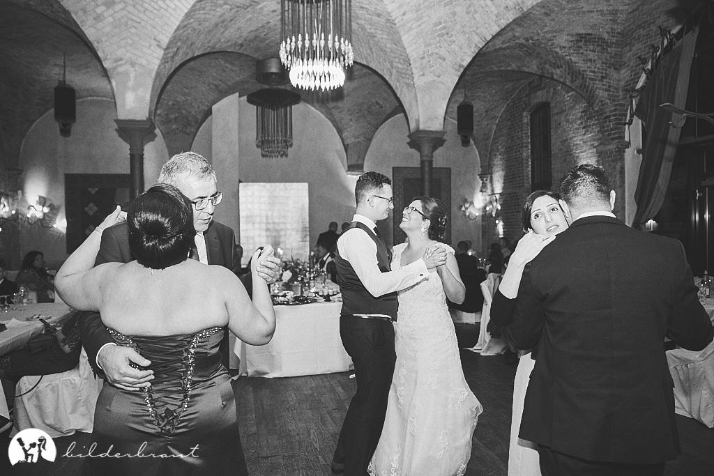 SG9A1096-Hochzeitsfotograf-Hochzeitslocation-Restaurant-Basil-bilderbraut-Hannover