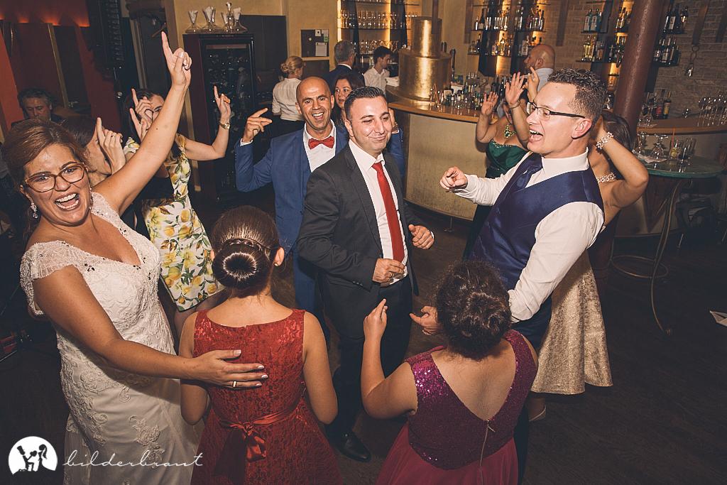SG9A1131-Hochzeitsfotograf-Hochzeitslocation-Restaurant-Basil-bilderbraut-Hannover