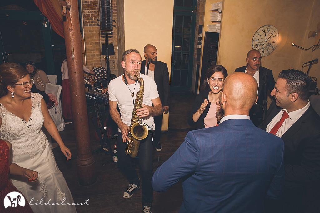 SG9A1140-Hochzeitsfotograf-Hochzeitslocation-Restaurant-Basil-bilderbraut-Hannover