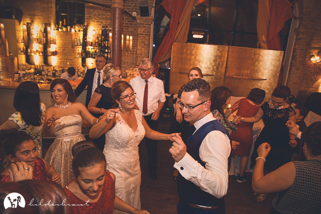 SG9A1214-Hochzeitsfotograf-Hochzeitslocation-Restaurant-Basil-bilderbraut-Hannover